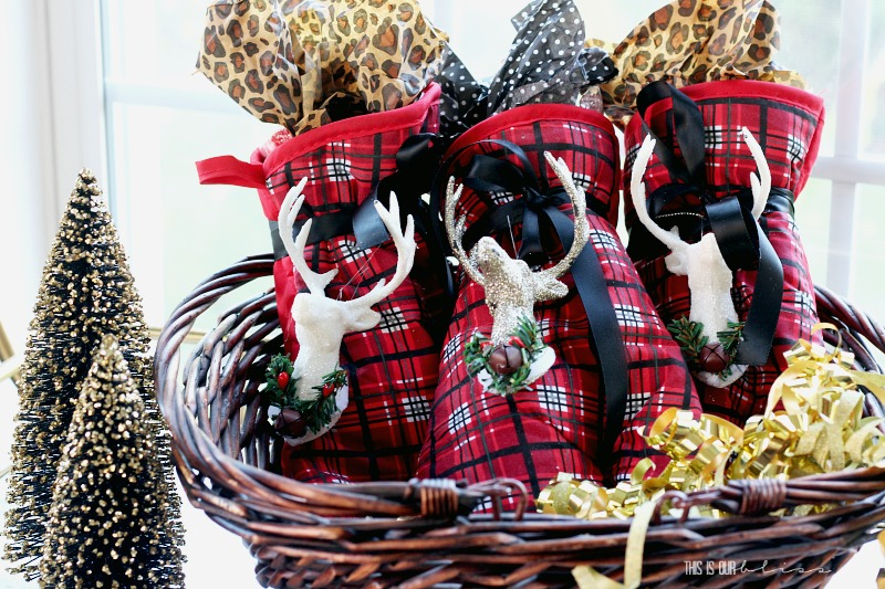 5 Minute Holiday Hostess Gift using Dollar Store Supplies - Cute,  Affordable & festive gift - 5 Minute Holiday Hostess Gift - My Dollar Store DIY This Is Our Bliss