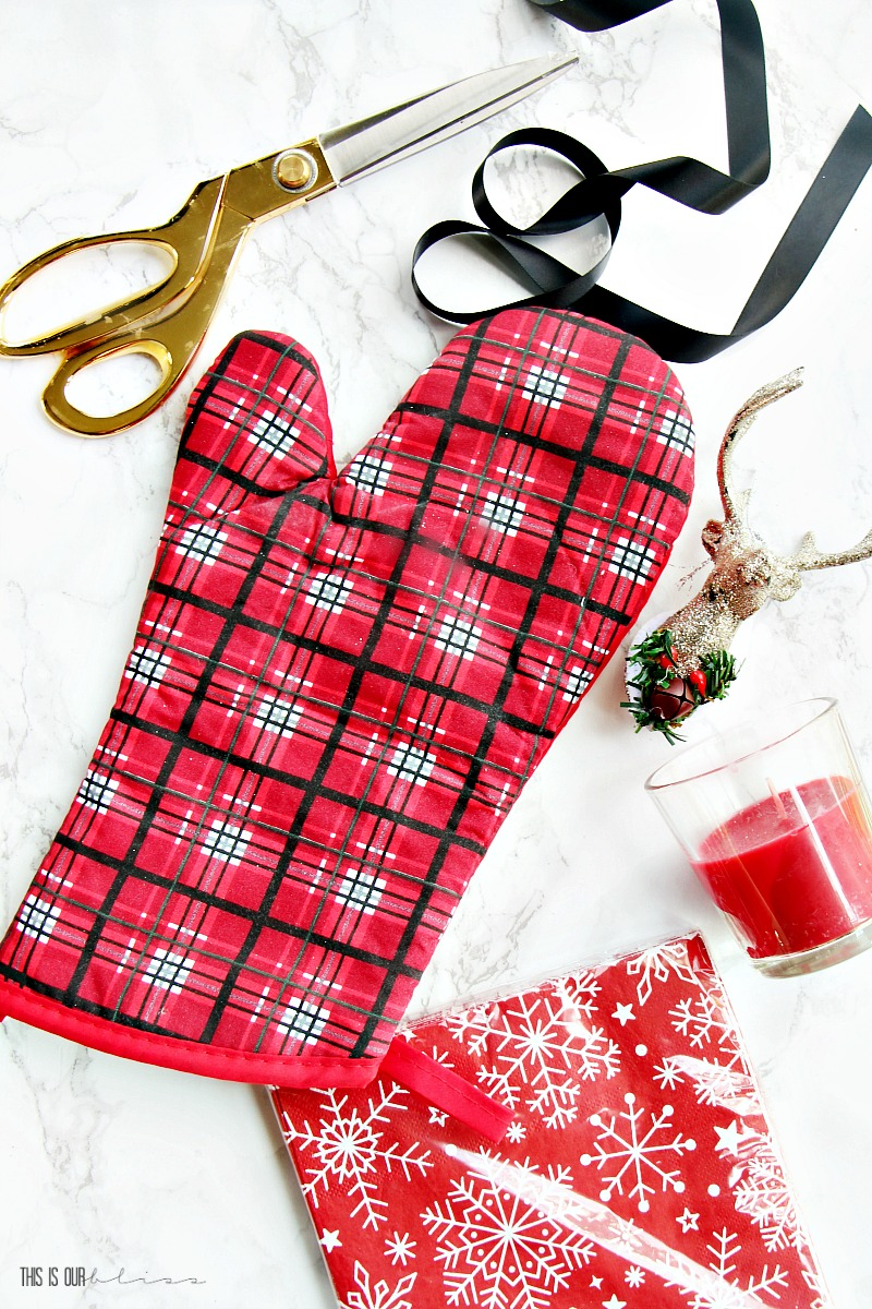 5 minute holiday hostess gift using dollar store supplies cute affordable festive gift