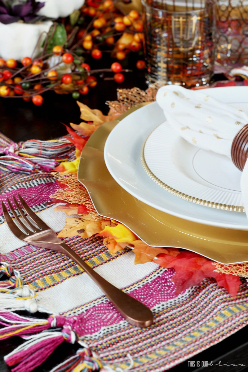 A Burnt Orange and Berry Fall Tablescape | Fall Dining Room decorating ideas
