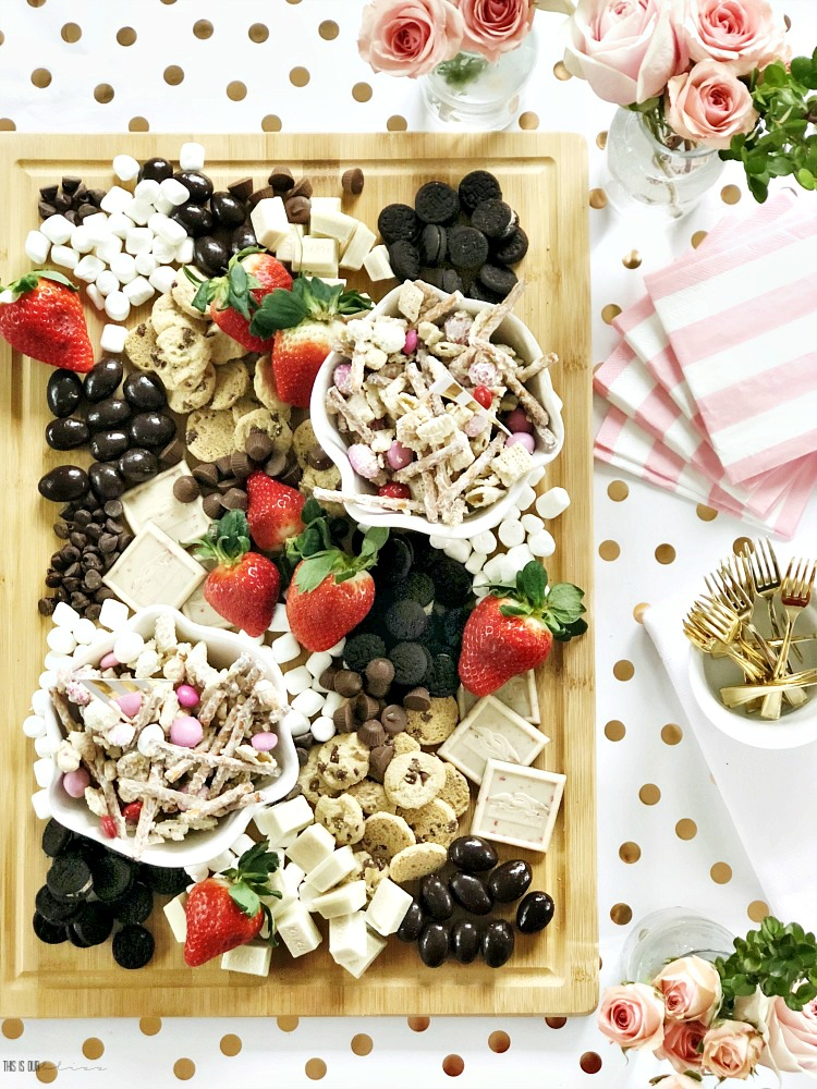 Chocolate and Fruit board for Girl's Night in - Galentine's Day Sweets & Strawberries - Galentine's Day Party - Girl's night in ideas with chocolate and treats - This is our Bl