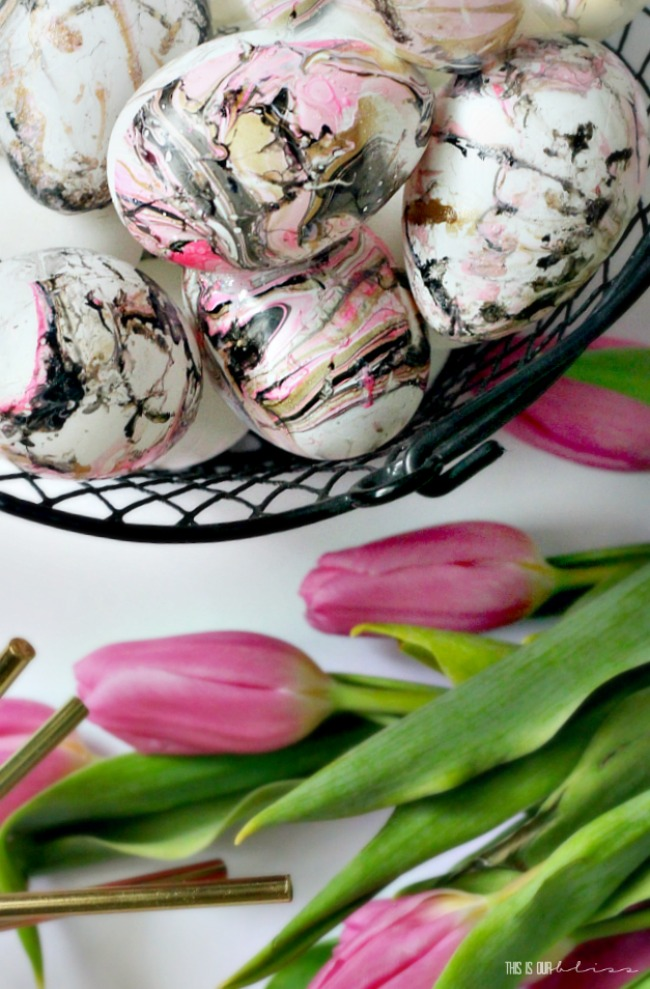 DIY Marble Easter Eggs with pink gold black - DIY Spring Decor - This is our Bliss