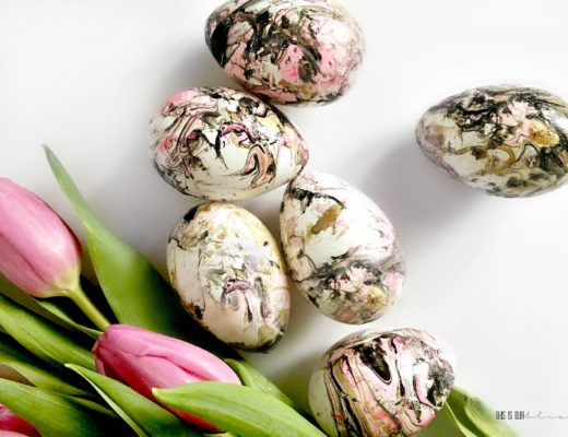 DIY Spring Inspiration - How to DIY Marble Easter Eggs with gold, black & pink - This is our Bliss